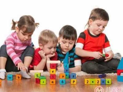 宝宝不适应幼儿园生活 宝宝不适应幼儿园的生活怎么开导他